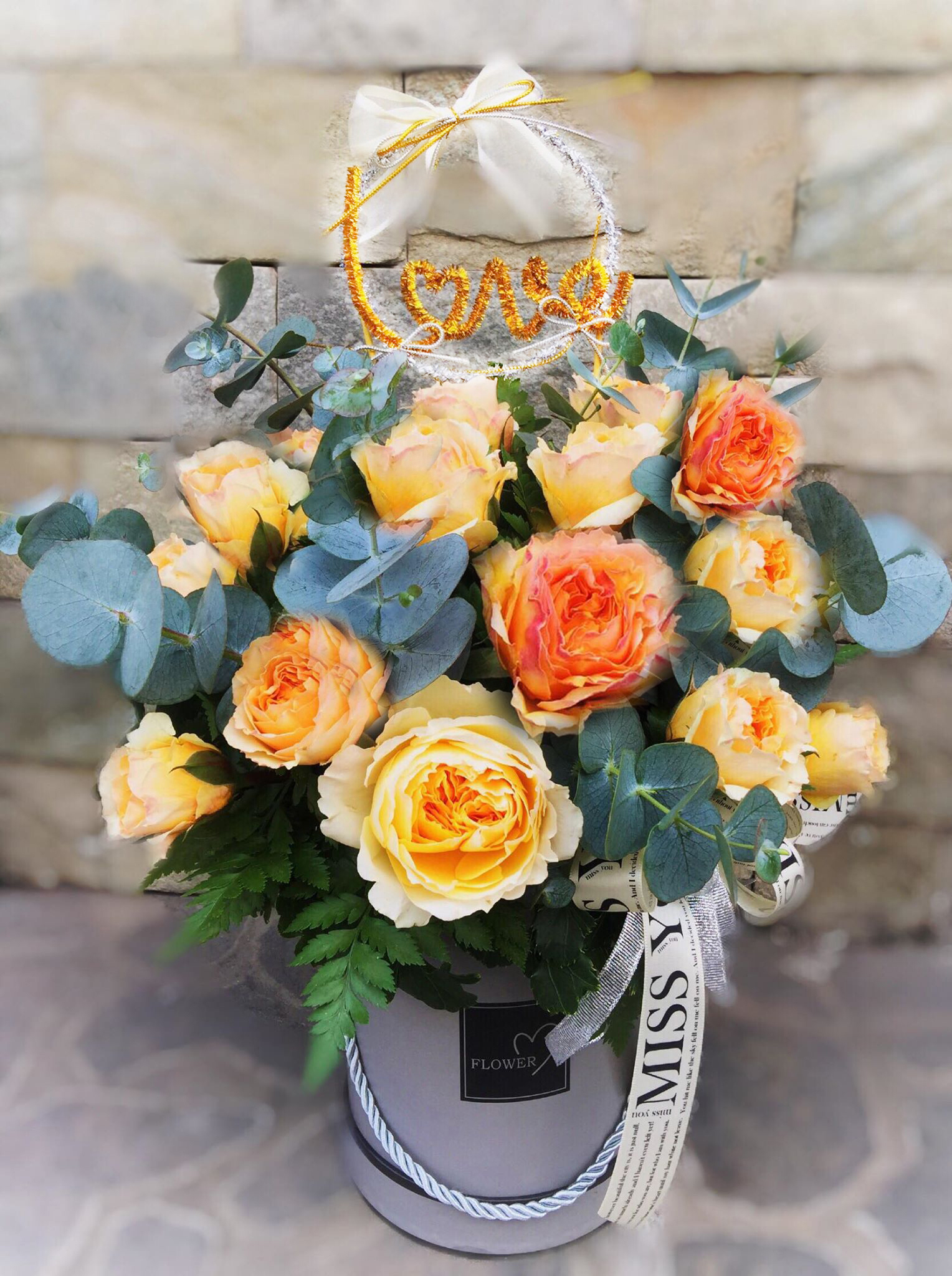20 YELLOW ROSES IN BOX / special (4MUA HHF-20YRBOX/SP)